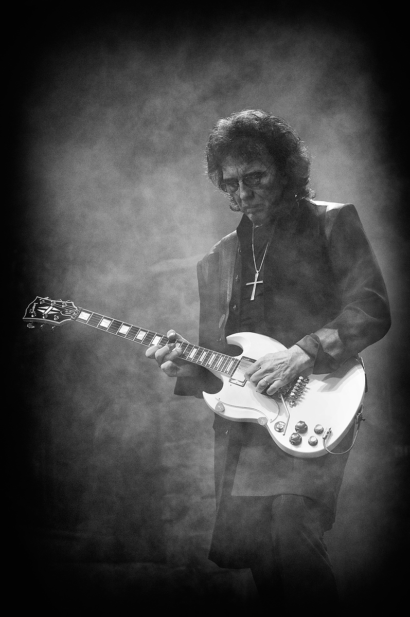 Black_Sabbath_Tony_Iommi
